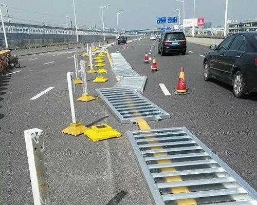 道路护栏安装施工